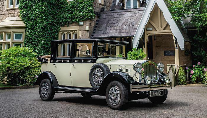 vintage wedding car in st helens, wedding transport